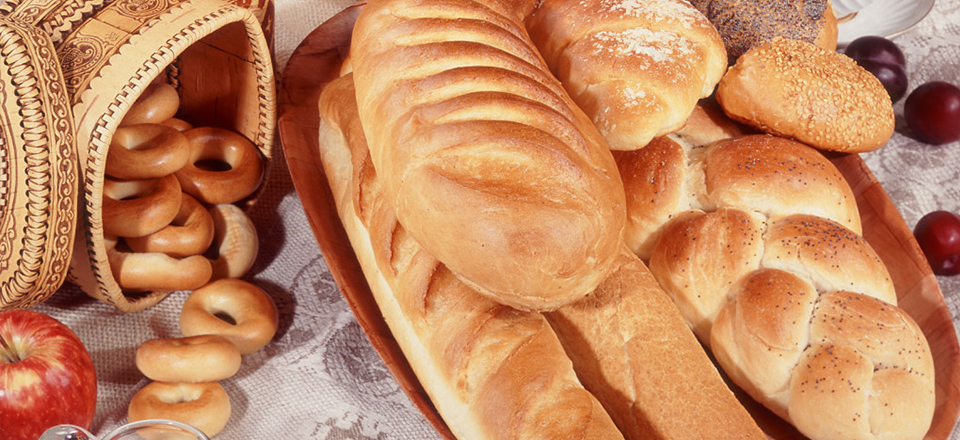 10. Russians eat all food with bread