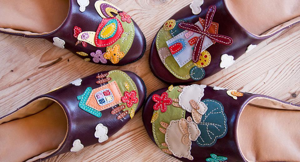 История появления домашней обуви