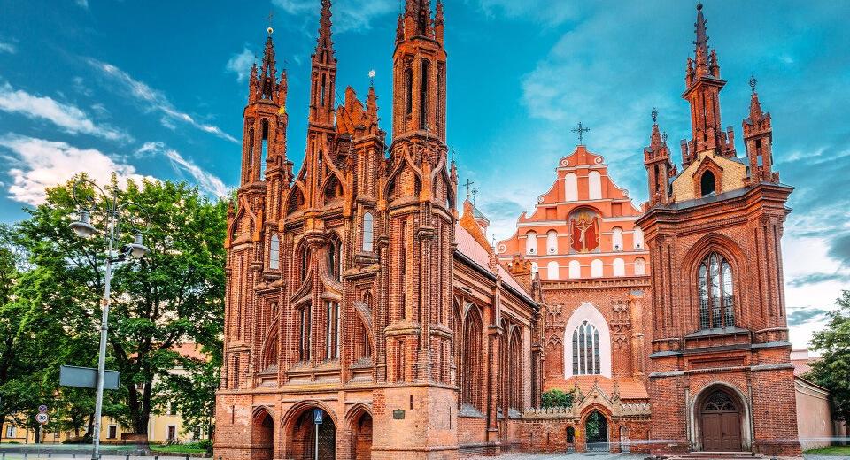 Готический собор Святой Анны