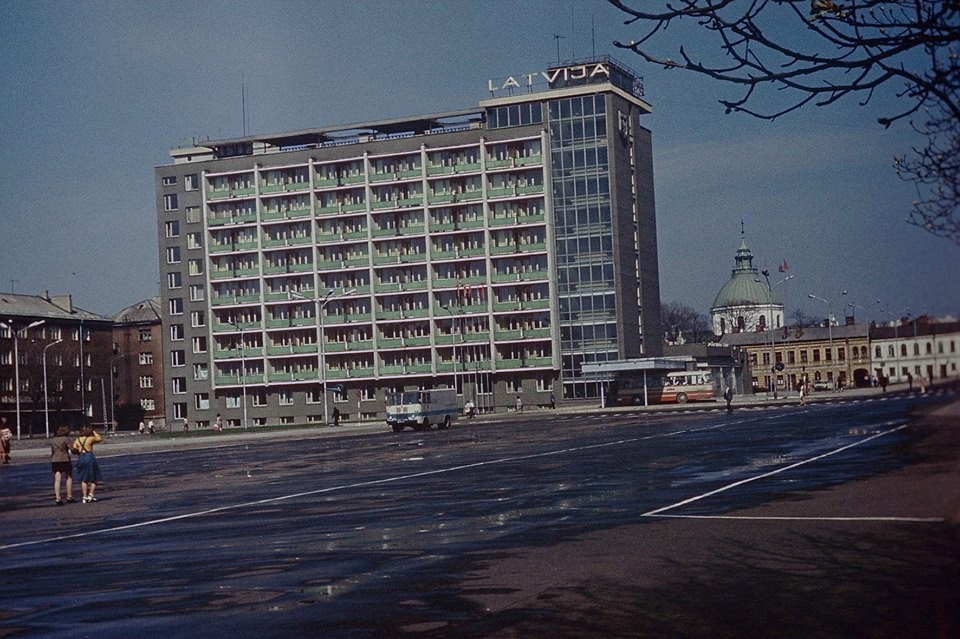 "Hotel ""Latvia"" on the central square Vienibas"